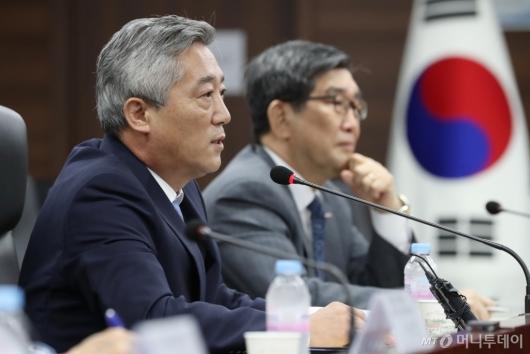 [사진]모두발언하는 이기범 북민협회장