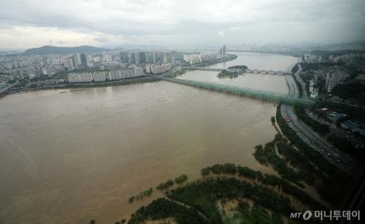 [사진]흙탕물 된 한강