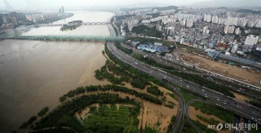 [사진]비에 잠긴 한강일대