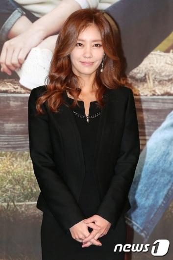 쥬얼리 출신 이지현, 재혼 3년 만에 파경설… 두번째 이혼
