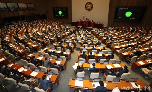 [사진]공공주택 특별법 일부개정법률안 본회의 통과
