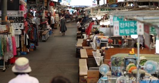 [사진]유동인구 줄어든 전통시장