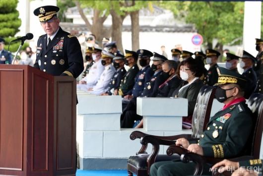 [사진]발언하는 로버트 에이브럼스 주한미군사령관