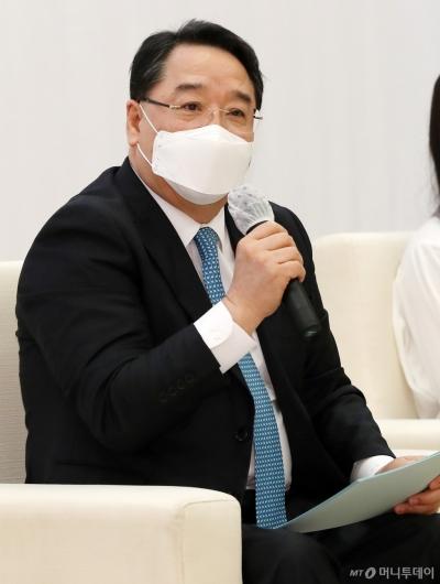 [사진]인사말하는 석영철 한국산업기술진흥원장