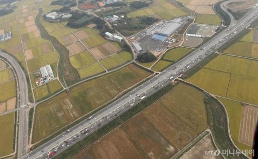 [사진]정체 시작된 서해안고속도로