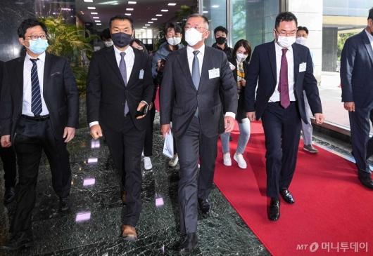 [사진]수소경제위원회 향하는 정의선 회장
