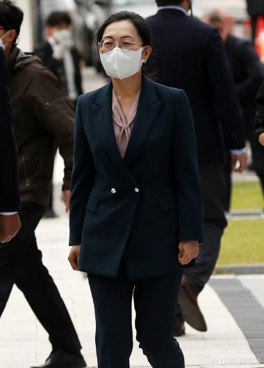 [사진]파기환송심 공판 출석하는 은수미 성남시장