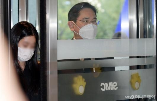 [사진]장례식장 도착한 이재용 삼성전자 부회장