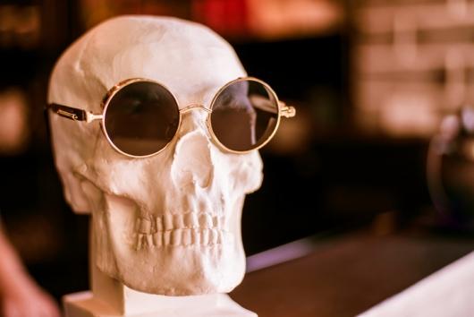 주운 해골에 선글라스 끼워 장식…알고보니 8년 전 사라진 실종자
