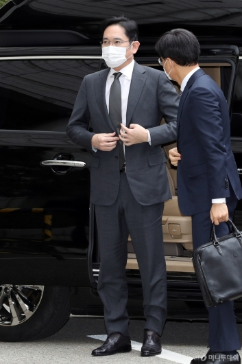 [사진]법원 도착한 이재용 부회장