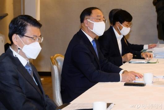 [사진]홍남기 부총리 '2년간 11만 4천호 임대주택 공급'