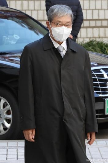 [사진]법정 향하는 장충기