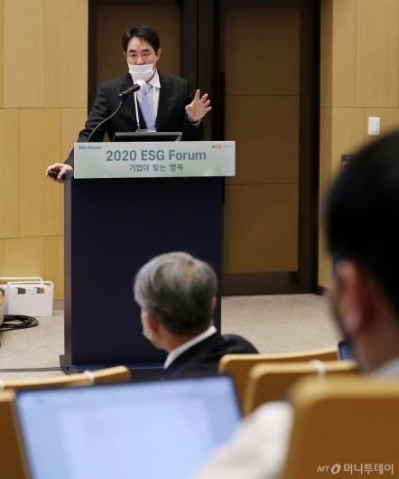 [사진]발표하는 한성근 아크임팩트자산운용 대표이사