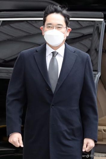 [사진]이재용 부회장, 파기환송심 선고 공판 출석