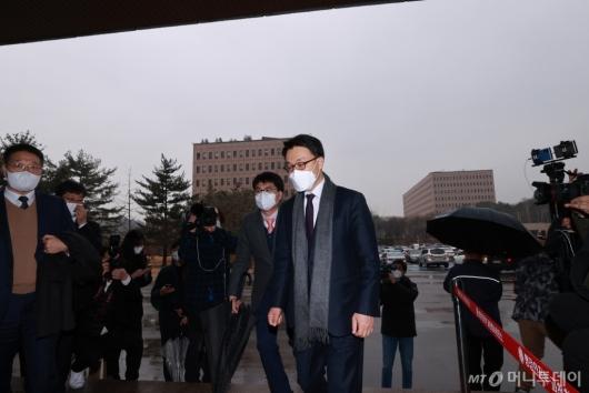 [사진]김진욱 초대 공수처장 출근