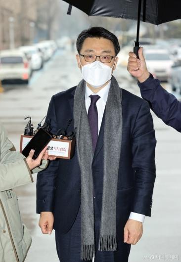 [사진]답변하는 김진욱 초대 공수처장