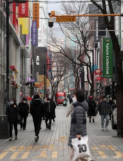 [사진]오늘부터 수도권 거리두기 조치 2단계로 완화
