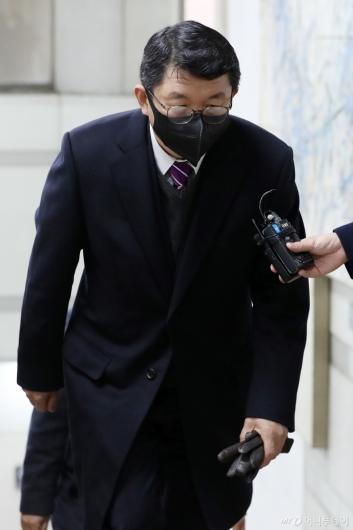 [사진]김석균, 1심 선고 공판 출석