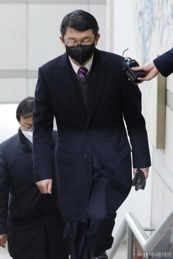 [사진]선고 공판 출석하는 김석균 전 해양경찰청장