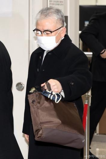 [사진]1심 선고 공판 출석하는 김수현 전 서해해경청장