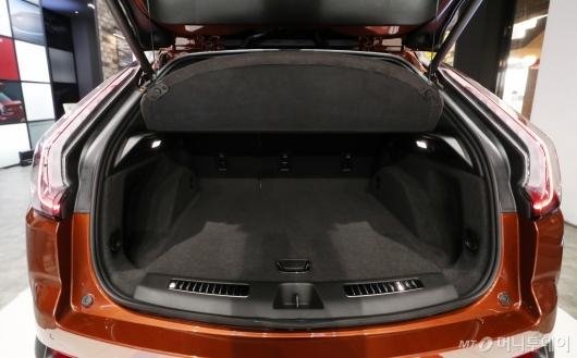 [사진]캐딜락 'XT4' 동급 최고 수준 트렁크 공간
