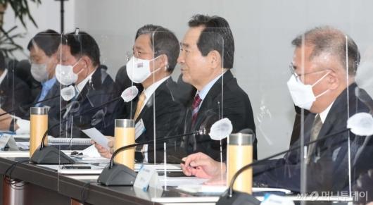 [사진]제3차 수소경제위원회 모두발언하는 정세균 총리