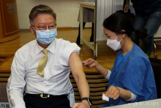 [사진]상급종합병원 AZ백신 접종