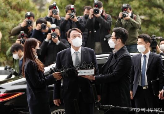 [사진]사퇴 입장 밝히는 윤석열 검찰총장