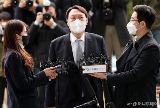 [사진]사퇴 의사 표명하는 윤석열