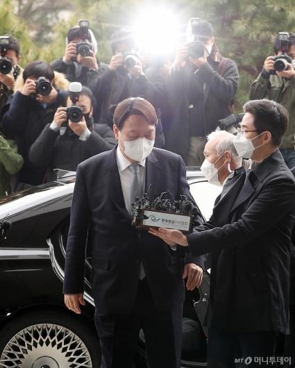 """[사진]윤석열 """"헌법정신과 법치 시스템 파괴"""""""