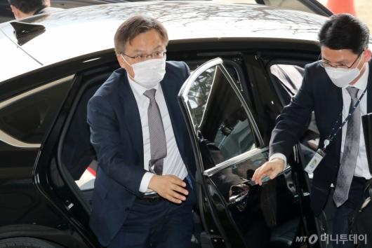 [사진]조남관 검찰총장 직무대행 'LH의혹' 수사협력 회의 참석