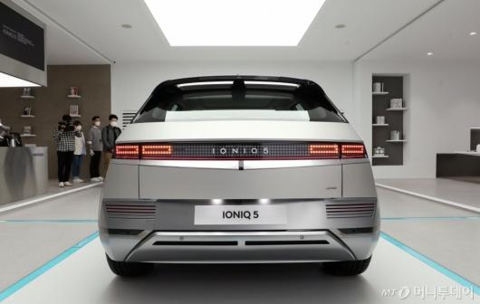 [사진]현대 전기차 '아이오닉5'의 뒷모습