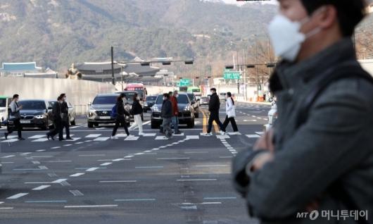 [사진]퇴근길 쌀쌀한 날씨