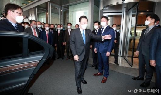 [사진]임기 마친 박용만 전 회장