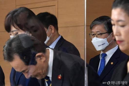 [사진]반부패정책협의회 결과 브리핑 참석한 변창흠 장관