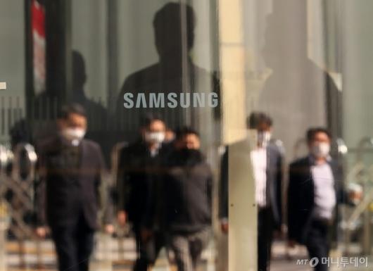 [사진]삼성전자 매출 65조, 영업익 9.3조 잠정실적 발표