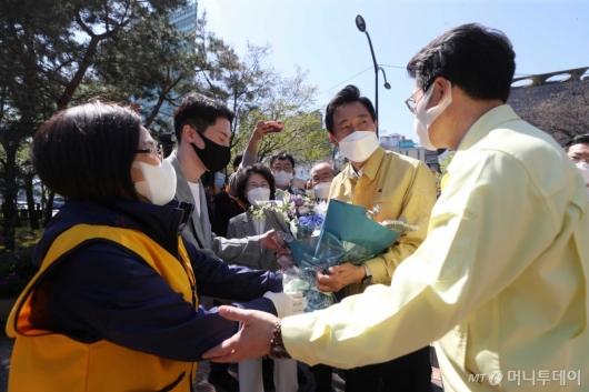 [사진]코로나19 예방접종센터 찾은 오세훈