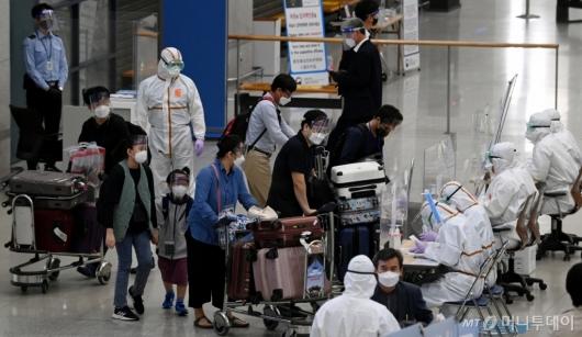 [사진]인도 교민들, 인천공항 도착