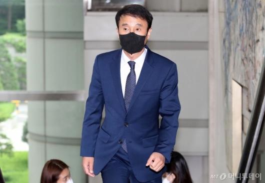[사진]'선거개입 의혹' 재판 출석하는 한병도