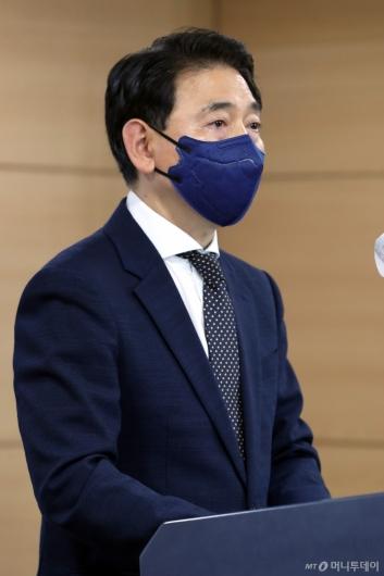[사진]민주당 부동산거래 전수조사 결과 발표하는 김태응 단장