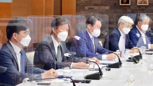 [사진]대한상의 찾은 김대지 국세청장