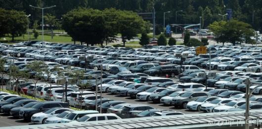 [사진]가득찬 김포공항 주차장