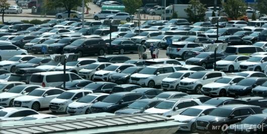 [사진]차량 가득찬 김포공항 국내선 주차장