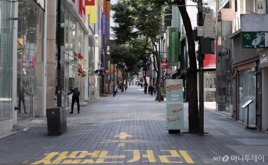 [사진]4단계 2주 연장, 한산한 거리