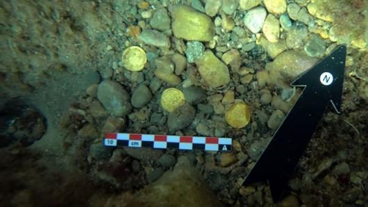 바닷속 쓰레기 청소하는데 '반짝'…1500년 전 로마 금화 무더기 발견