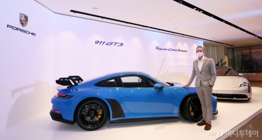 [사진]포르쉐 '타이칸 크로스 투리스모-911 GT3' 공개