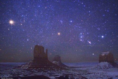▲ 미국 마운트 밸리(MonumentValley)의 밤하늘