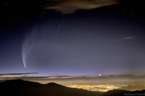 ▲ 칠레 안데스 산맥에서 본 '맥너트' 혜성