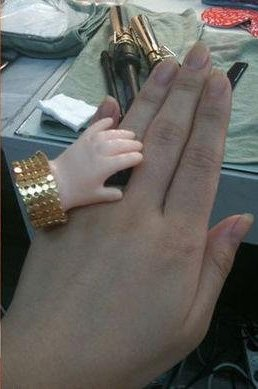 ↑ 2NE1의 '산다라박' 반지 (사진= 산다라박 미투데이)