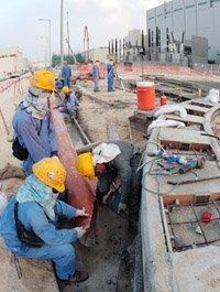 """""""카타르의 빛·생명수 뽑아내는 곳"""""""